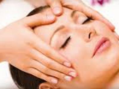 Gesichts-Massage